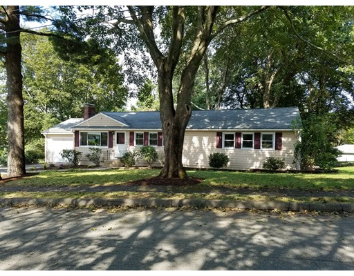 Single Family Home for Sale at 11 GERRY ROAD Lynnfield, 01940 United States