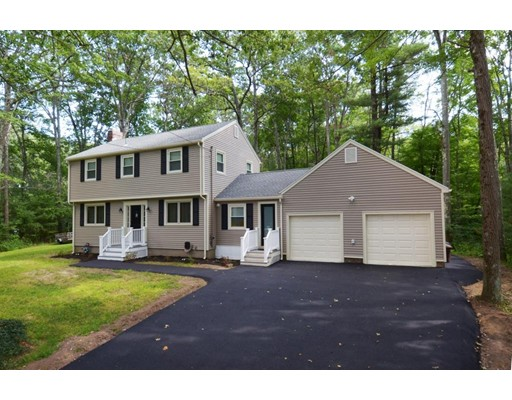 Single Family Home for Sale at 114 King George Drive Boxford, Massachusetts 01921 United States