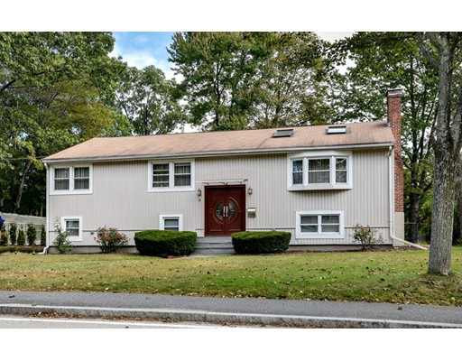 Single Family Home for Sale at 20 Rutledge Road Natick, Massachusetts 01760 United States