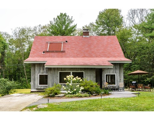 Single Family Home for Sale at 8 Green Lane Sherborn, Massachusetts 01770 United States