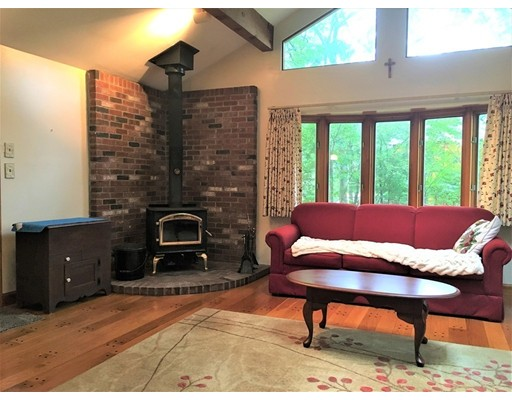 Casa Unifamiliar por un Venta en 1 Ingleside Road 1 Ingleside Road Wellesley, Massachusetts 02482 Estados Unidos