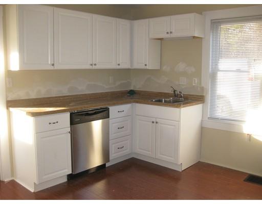 Casa Unifamiliar por un Alquiler en 61 Union Street Millis, Massachusetts 02054 Estados Unidos