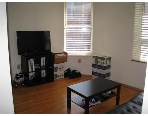 12 Parmenter Street 4F, Boston, MA 02113