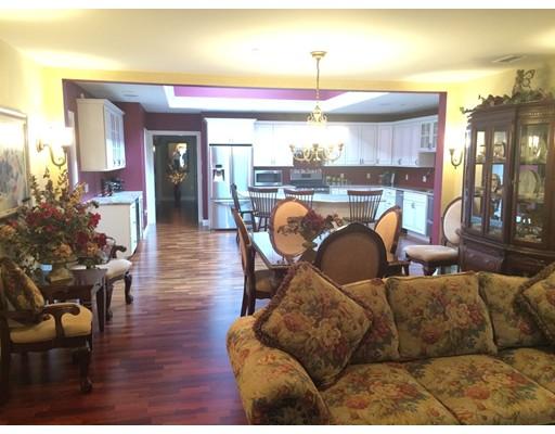 Condominio por un Venta en 114 Merriam Avenue Leominster, Massachusetts 01453 Estados Unidos