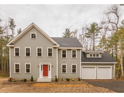 Single Family Home for Sale at 375 New Boston Road 375 New Boston Road Sturbridge, Massachusetts 01566 United States
