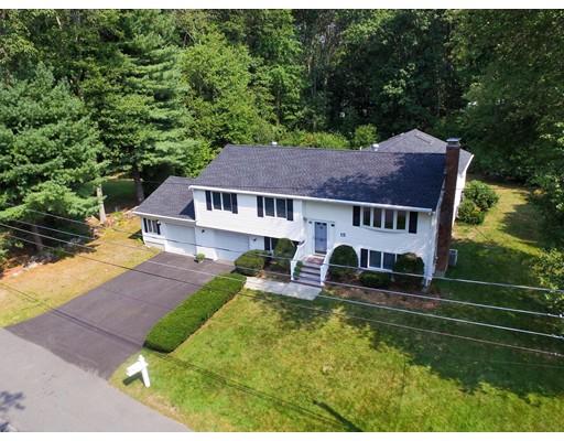 واحد منزل الأسرة للـ Sale في 15 Alcine Lane Burlington, Massachusetts 01803 United States