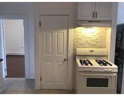 独户住宅 为 出租 在 5 Roberts 布鲁克莱恩, 02445 美国