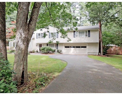 Single Family Home for Sale at 413 Brook Street 413 Brook Street Carlisle, Massachusetts 01741 United States