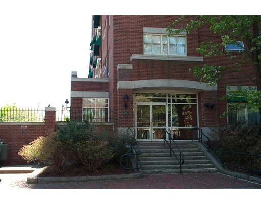Commercial for Sale at 4 Canal Park 4 Canal Park Cambridge, Massachusetts 02141 United States