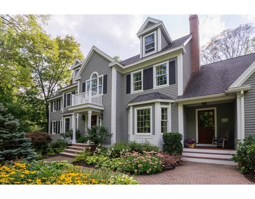 واحد منزل الأسرة للـ Sale في 104 North Street 104 North Street Topsfield, Massachusetts 01983 United States