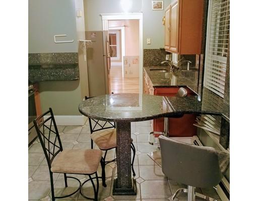 独户住宅 为 出租 在 402 Revere Beach Parkway Revere, 02151 美国