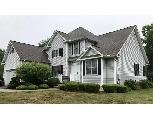 Single Family Home for Sale at 122 Cardinal Way 122 Cardinal Way Northampton, Massachusetts 01062 United States
