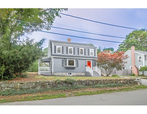 15 Manning St, Reading, MA 01867