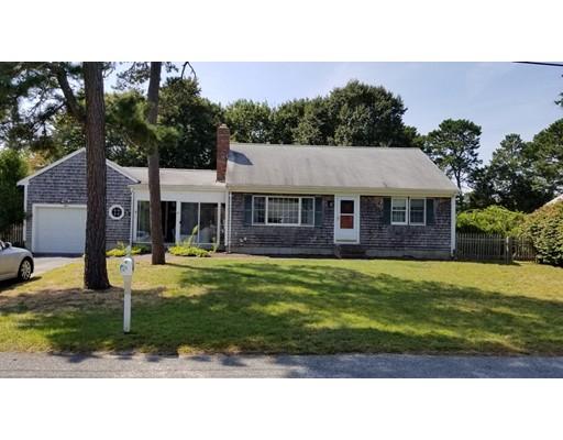 Casa Unifamiliar por un Venta en 15 Captain Blount Road 15 Captain Blount Road Yarmouth, Massachusetts 02664 Estados Unidos