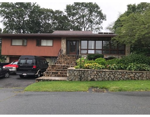 Casa Unifamiliar por un Venta en 371 Highview Avenue 371 Highview Avenue Somerset, Massachusetts 02726 Estados Unidos