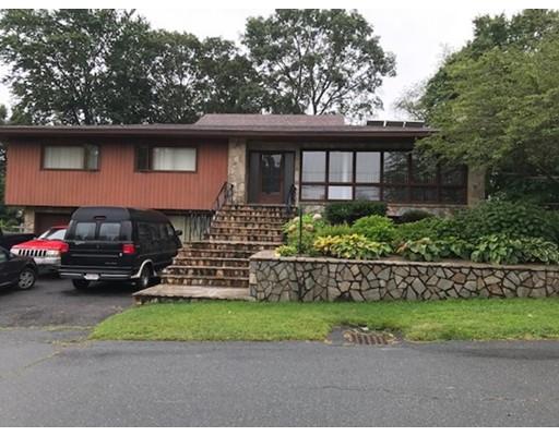 Maison unifamiliale pour l Vente à 371 Highview Avenue 371 Highview Avenue Somerset, Massachusetts 02726 États-Unis
