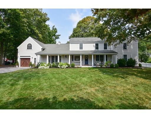 Maison unifamiliale pour l Vente à 4 Whiting Avenue Groton, Massachusetts 01450 États-Unis