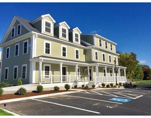 واحد منزل الأسرة للـ Rent في 67 North Street 67 North Street Medfield, Massachusetts 02052 United States