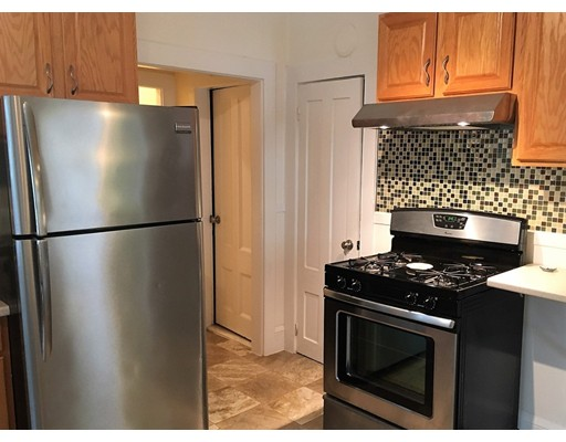 Additional photo for property listing at 136 North St #1A 136 North St #1A Salem, Massachusetts 01970 United States