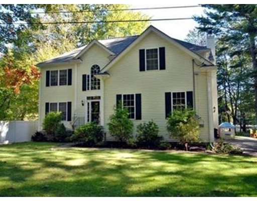 Single Family Home for Sale at 8 Pondview Ter Dudley, Massachusetts 01571 United States