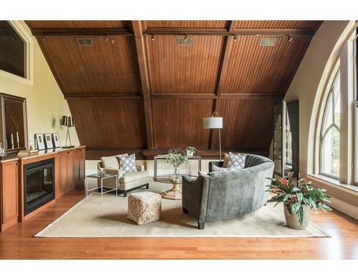 共管式独立产权公寓 为 销售 在 134 Mount Auburn Street 沃特敦, 马萨诸塞州 02472 美国