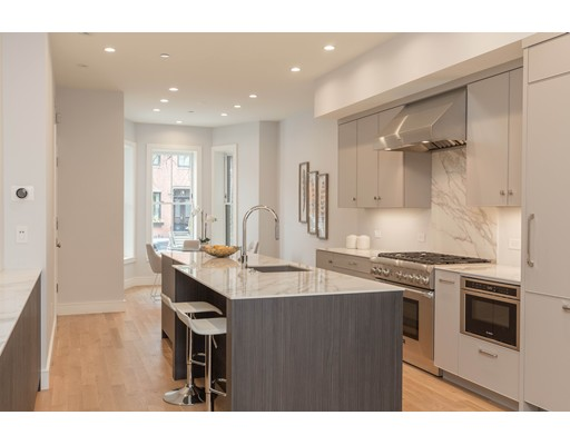 Additional photo for property listing at 156 Warren Ave #1 156 Warren Ave #1 Boston, Massachusetts 02116 Estados Unidos