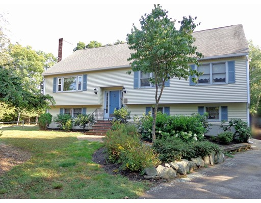 Single Family Home for Sale at 67 Willow Street Foxboro, Massachusetts 02035 United States
