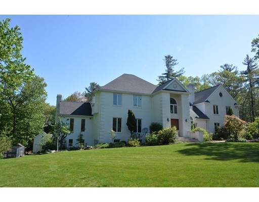 Single Family Home for Sale at 10 Mountain View Drive Framingham, Massachusetts 01701 United States