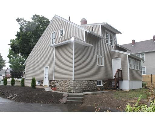 Maison unifamiliale pour l Vente à 39 Brantwood Road 39 Brantwood Road Worcester, Massachusetts 01602 États-Unis