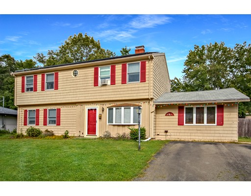Single Family Home for Sale at 34 Bradford Street 34 Bradford Street Holbrook, Massachusetts 02343 United States