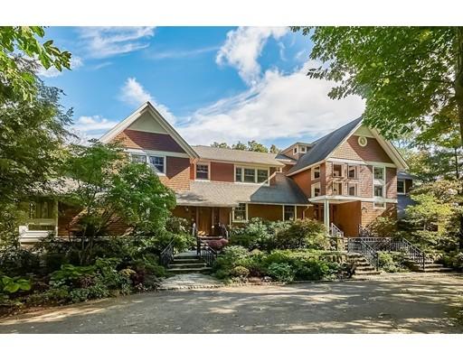 Casa Unifamiliar por un Venta en 159 Claybrook Road 159 Claybrook Road Dover, Massachusetts 02030 Estados Unidos