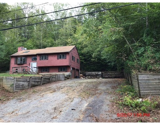 Single Family Home for Sale at 437 W Sturbridge Road 437 W Sturbridge Road East Brookfield, Massachusetts 01515 United States