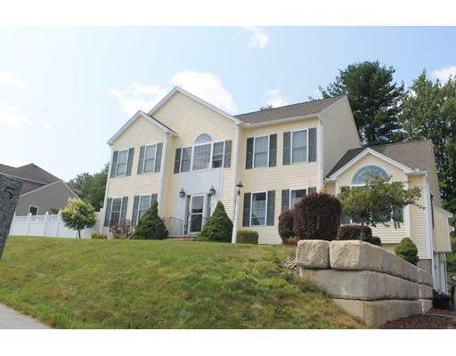 Single Family Home for Sale at 5 Magnavista Drive 5 Magnavista Drive Haverhill, Massachusetts 01830 United States