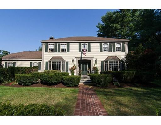 Maison unifamiliale pour l Vente à 22 Cemetery Street Mendon, Massachusetts 01756 États-Unis