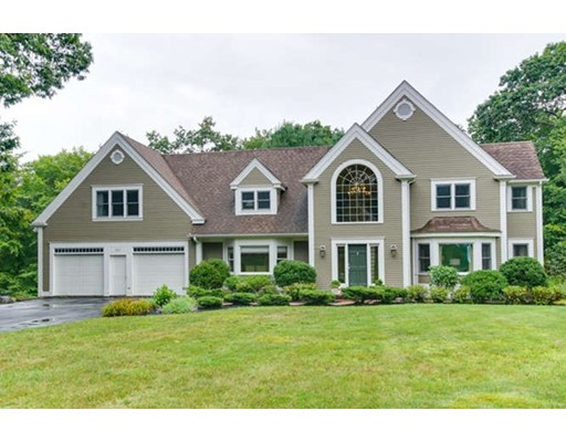 واحد منزل الأسرة للـ Sale في 163 Kettle Hole Road Bolton, Massachusetts 01740 United States