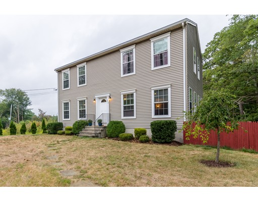Single Family Home for Sale at 548 Winter Street East Bridgewater, Massachusetts 02337 United States