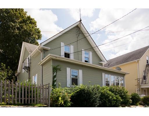 متعددة للعائلات الرئيسية للـ Sale في 5 School 5 School Johnston, Rhode Island 02919 United States