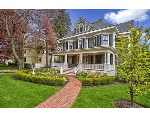 Casa Unifamiliar por un Venta en 72 Bacon Street Winchester, Massachusetts 01890 Estados Unidos