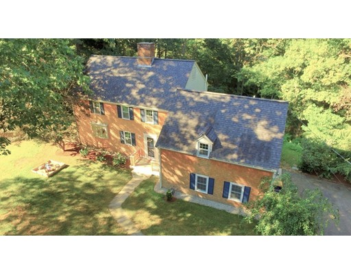 独户住宅 为 销售 在 86 Meadow Brook Road 86 Meadow Brook Road Norwell, 马萨诸塞州 02061 美国
