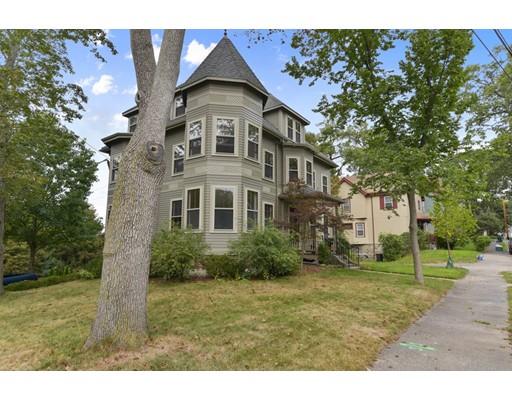 Частный односемейный дом для того Продажа на 33 Cedar Avenue 33 Cedar Avenue Stoneham, Массачусетс 02180 Соединенные Штаты