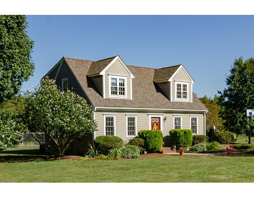 Maison unifamiliale pour l Vente à 31 Stoney Weir Road 31 Stoney Weir Road Halifax, Massachusetts 02338 États-Unis