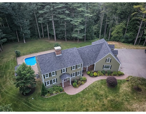 Single Family Home for Sale at 6 Suzanne Circle Plaistow, New Hampshire 03865 United States