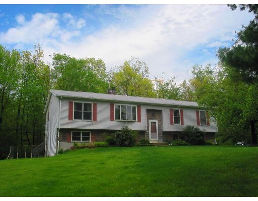 Single Family Home for Sale at 3 Angell Ter 3 Angell Ter Leicester, Massachusetts 01524 United States