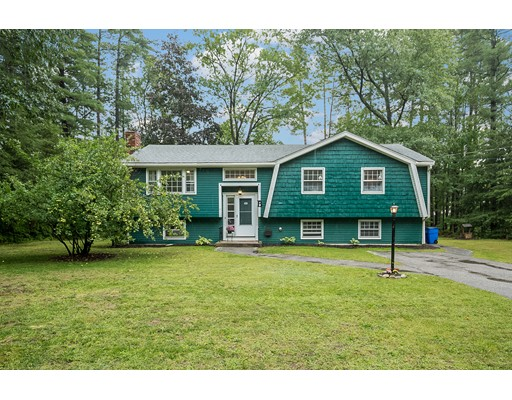 Single Family Home for Sale at 11 Shady Lane Plaistow, New Hampshire 03865 United States