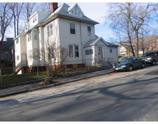 独户住宅 为 出租 在 9 Windsor Street 伍斯特, 01605 美国