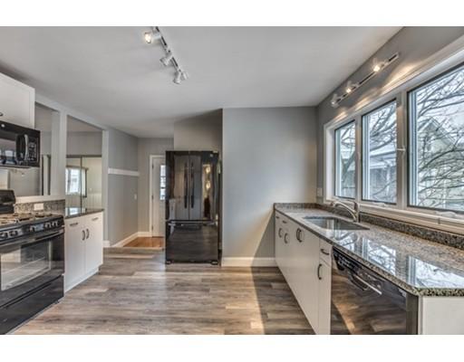 Maison unifamiliale pour l à louer à 7 Hawthorne 7 Hawthorne Everett, Massachusetts 02149 États-Unis