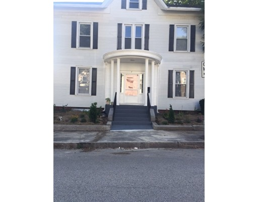 Single Family Home for Rent at 7 Auburn Street 7 Auburn Street Worcester, Massachusetts 01605 United States
