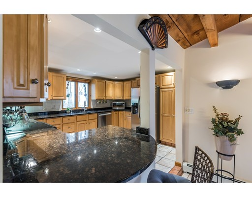 Additional photo for property listing at 544 Foster Street 544 Foster Street North Andover, Massachusetts 01845 Hoa Kỳ