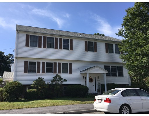 Casa Multifamiliar por un Venta en 17 Goldcliff Road Malden, Massachusetts 02148 Estados Unidos