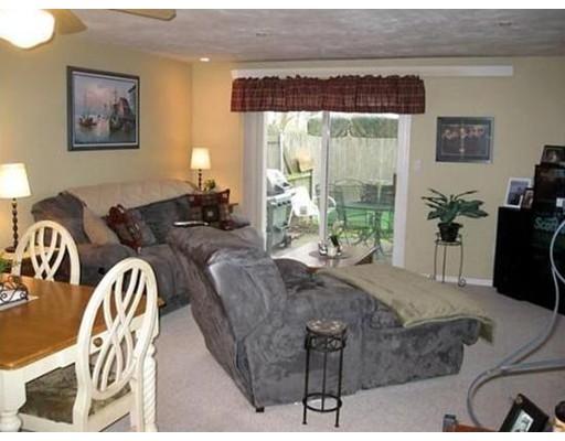 Casa Unifamiliar por un Alquiler en 335 E Washington Street North Attleboro, Massachusetts 02760 Estados Unidos